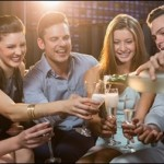 社内恋愛のきっかけ集!飲み会からはじまる恋の事例
